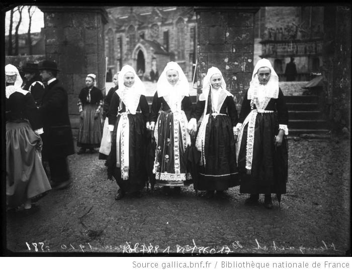 Bretonnes modestes vers 1910