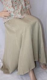 Belle et longue jupe